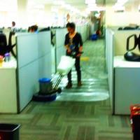 清洗办公室地毯